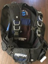 Sherwood Scuba BCD with 10 lbs of weights - Inflator Hose Detached in Okinawa, Japan