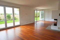 Single familiy home with fireplace and garage - 10 minutes to Clay in Wiesbaden, GE