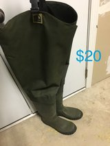 Hodgeman size 12 waders in Fort Drum, New York