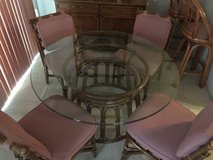 Glass Table and 4 chairs in Chicago, Illinois