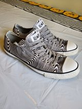 Converse Men's 10 in Okinawa, Japan