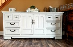 Large 9 drawer dresser/ TV Console/ Buffet in Bolingbrook, Illinois