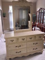 Girl's Twin Bedroom Set in Bolingbrook, Illinois