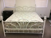 Queen mattress and box springs in Alamogordo, New Mexico