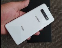 Samsung Galaxy S10 prism white and cash in Ramstein, Germany