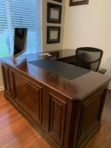 Office desk plus matching file drawers in Bolingbrook, Illinois