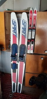 2 Pairs of Skis in Alamogordo, New Mexico