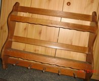 3 days- til Wed. 23 Oct>Medium Wood Plate & Mug Display Rack in Ramstein, Germany
