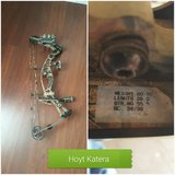 2 Hoyt Hunting Bows in Alamogordo, New Mexico