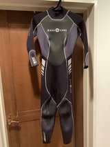 Aqua Lung 3mm Women Wetsuit Size 6 in Okinawa, Japan