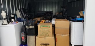 **STORAGEWARS **ENTIRE STORAGE CONTENTS LOT - in Clarksville, Tennessee