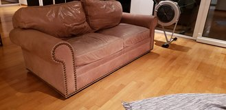 Free Leather Sofa in Stuttgart, GE