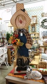Large Wood Scarecrow in Clarksville, Tennessee