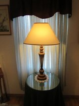beautiful lamp new wide shade in Alamogordo, New Mexico