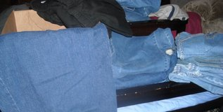 Woman's 2X Blue Jeans in Fort Riley, Kansas