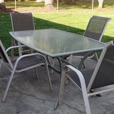 Patio table & 4 Chairs in Naperville, Illinois