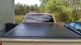6.5' Tonneau Bed Cover in Wilmington, North Carolina