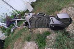 clean golf bag with  extras ( read the add ) in Okinawa, Japan