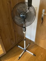 New standing fan. Clean and only used for two weeks. Buy it before you need it. in Stuttgart, GE
