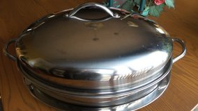 LARGE OVAL COVERED ROASTER WITH RACK in Naperville, Illinois