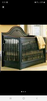 very nice baby bed you can tell by the prices it's not a cheap one in Hopkinsville, Kentucky