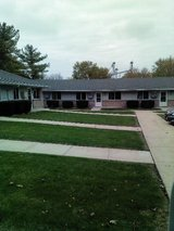 1 BR APTS SHANNON IL-MOVE IN IMMEDIATELY in DeKalb, Illinois