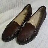 SAS brown loafers Size 8.5 Narrow in Fort Riley, Kansas