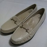 SAS Loafers Size 8.5 Narrow in Fort Riley, Kansas