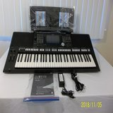 Yamaha PSR-S975 Arranger Workstation Keyboard in perfect working condition in Mobile, Alabama