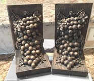Book Ends Grapes Bronze Color New In Original Box in Kingwood, Texas