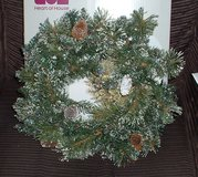 PRE-LIT SNOW TIPPED WREATH 24 INCH in Lakenheath, UK