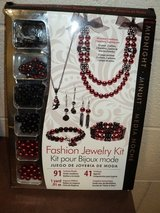 Fashion Jewelry Kit (T=40/1) in Fort Campbell, Kentucky