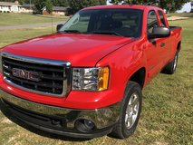 2011 GMC Sierra 4x4 Extended cab in Fort Campbell, Kentucky
