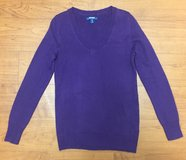 Royal Purple Soft V Neck Sweater, XS, Old Navy in Fort Campbell, Kentucky