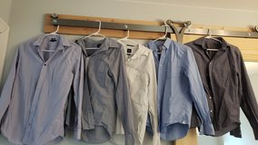 Gap Shirts, Size Small in Chicago, Illinois