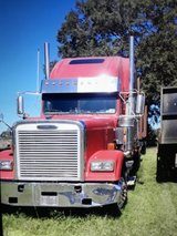 2006 FREIGHTLINER CLASSIC XL & TRAILER in Fort Polk, Louisiana