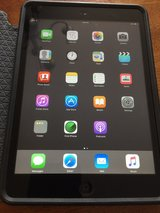IPad mini 1 with 16gb - 1st Generation in Bolingbrook, Illinois