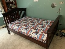 Gorgeous Full Size Bed in Great Lakes, Illinois