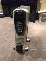 Pelonis 1500w digital oil filled heater in Yorkville, Illinois
