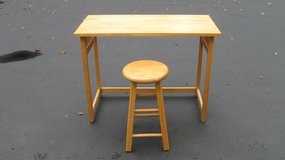 Desk/Table & Stool in Naperville, Illinois