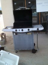 3 burner gas grill with side burner (TLC required) in Alamogordo, New Mexico