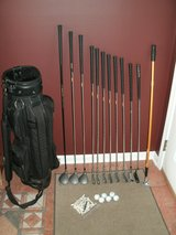 Mens RH Dunlop Resolve Golf Clubs Set with Bag in Chicago, Illinois