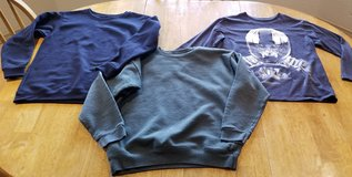 Sweatshirts, long sleeve shirt lot in Alamogordo, New Mexico