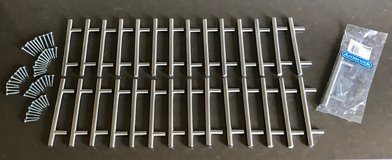 """Reduced! Amerock BP19011-SS Lot of 29 Stainless Steel 3 3/4"""" Center Bar Cabinet Pulls in Naperville, Illinois"""