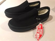 Black Slip On Vans M 4.5/W 6 in Okinawa, Japan