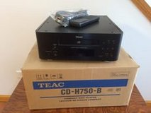 Teac CD-H750B CD Player in Chicago, Illinois