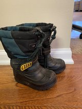 size 6 toddler snow boots in Joliet, Illinois