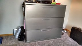 Boltz 3 Drawer locking Lateral File Cabinet. in Bellaire, Texas