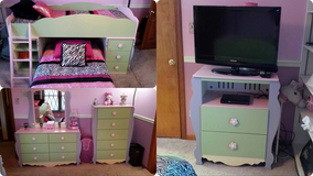 Girls bedroom set in Joliet, Illinois