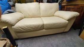 Leather couch 64,961 Inches beige as like new in Stuttgart, GE